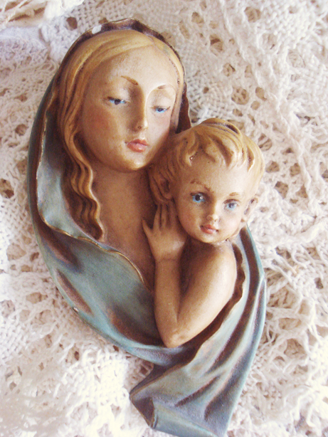 Mary and jesus 3