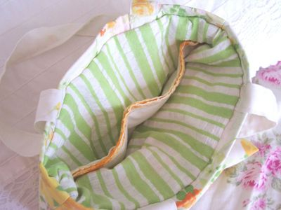 Orange_tote_inside