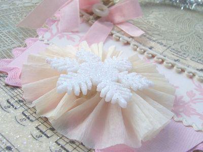 Pink_snowflake_pennant