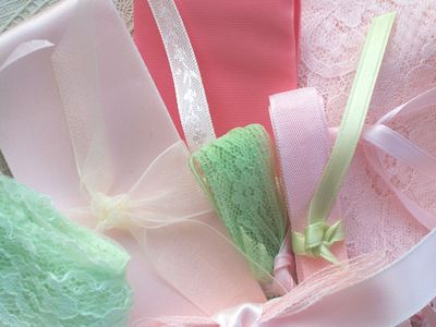Pink_and_green_trims
