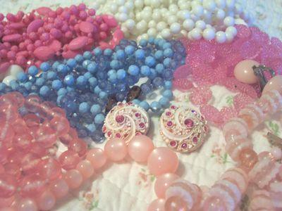 Vintage_jewelry_1