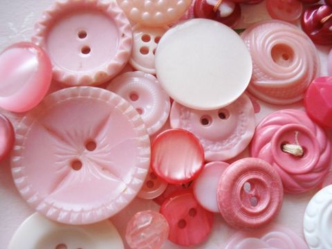 Pretty_pink_buttons_2